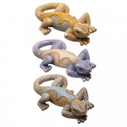 Souvenir crawling lizard